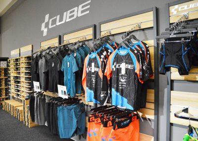 Cube Wear Fahrradbekleidung und Schuhe im Cube Store Zella-Mehlis
